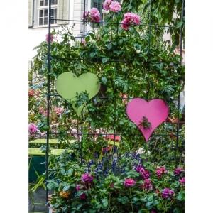 Zwei Herzen mit Rosen